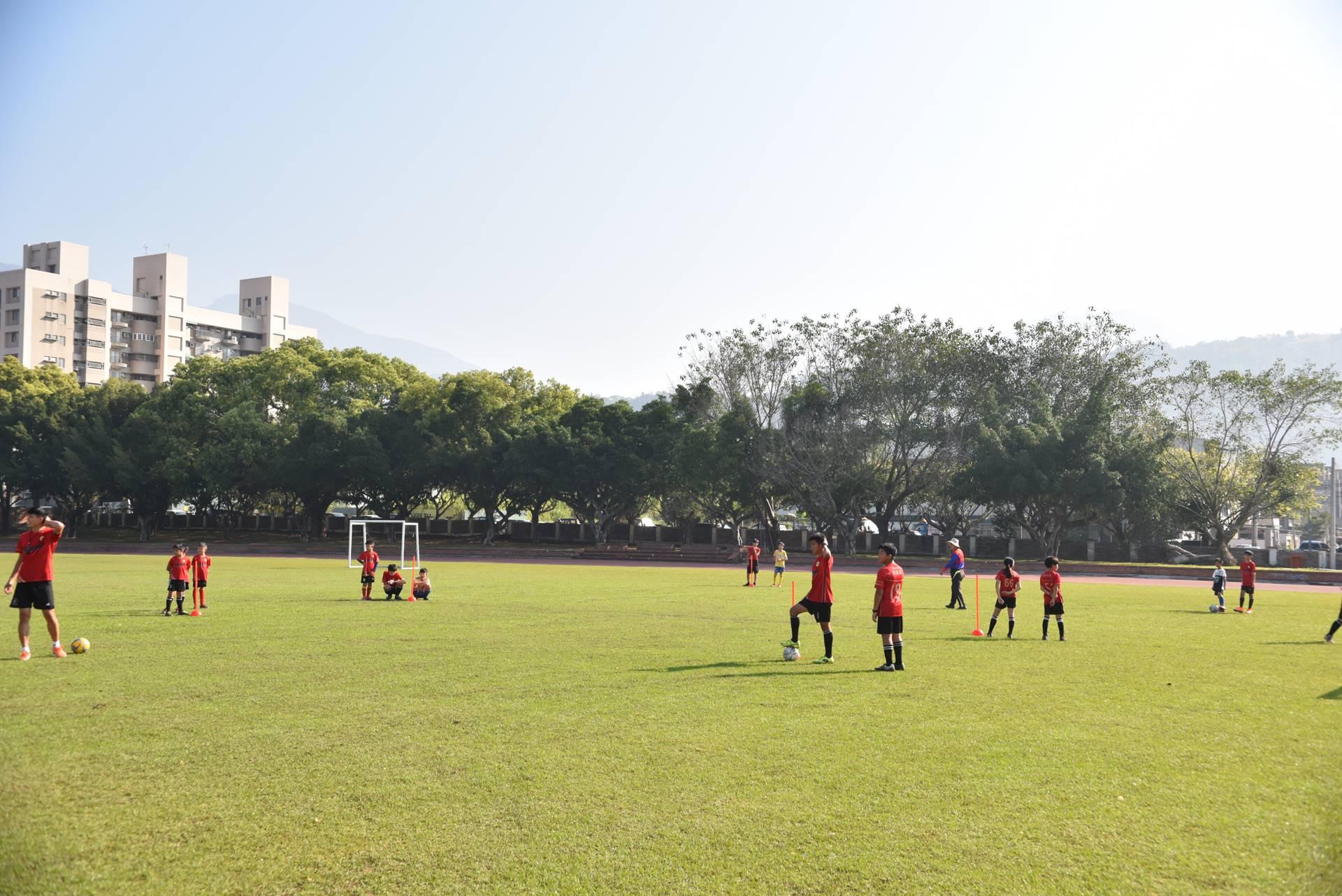 埔里山城足球俱樂部訓練場地宏仁國中。(牛爸/攝影)
