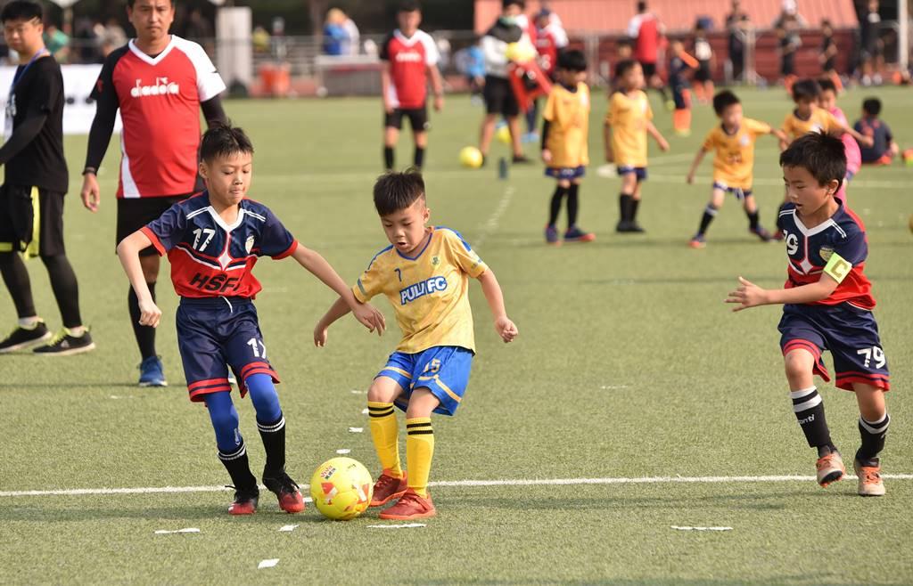 PULI FC埔里山城足球俱樂部首次北上參與萬歲堅果盃比賽,謝翔緯首次參與對外比賽,表現一點都不怯場。(圖/牛爸攝)